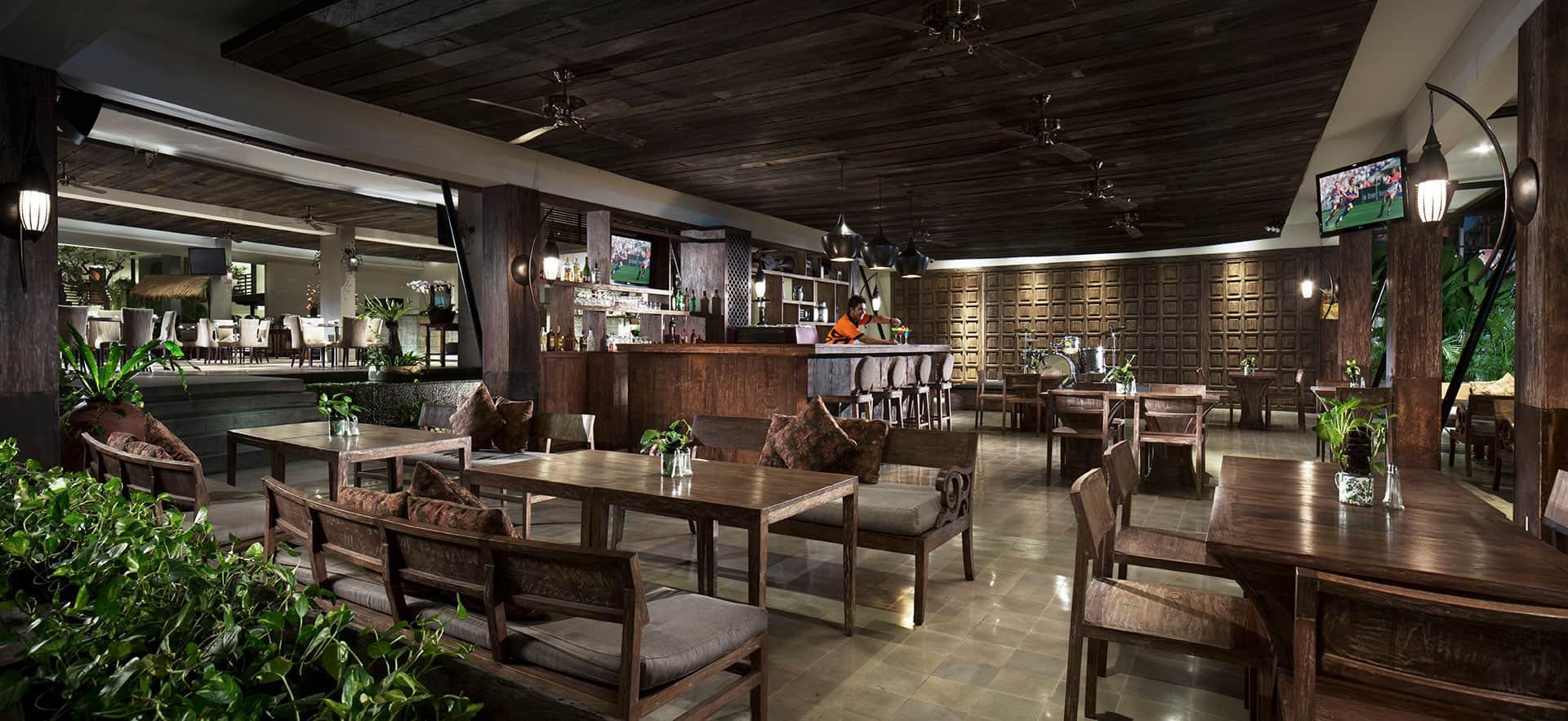 Pavoz Restaurant and Bar, Sun Island Hotel Spa Kuta