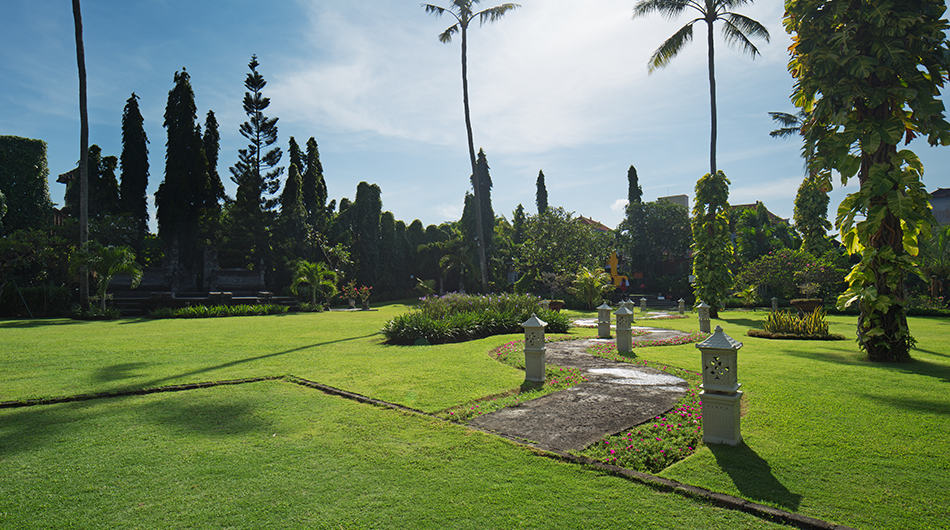 Bali Wedding Garden Venue at White Rose Kuta Resort