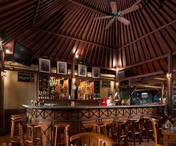 Bunut Cafe White Rose Kuta Resort